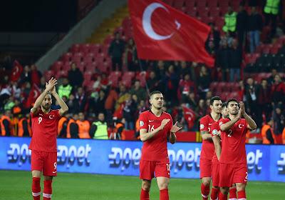 L'UEFA sanctionne les supporters turcs pour leurs saluts militaires
