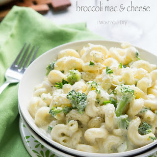 Creamy Alfredo Broccoli Mac and Cheese