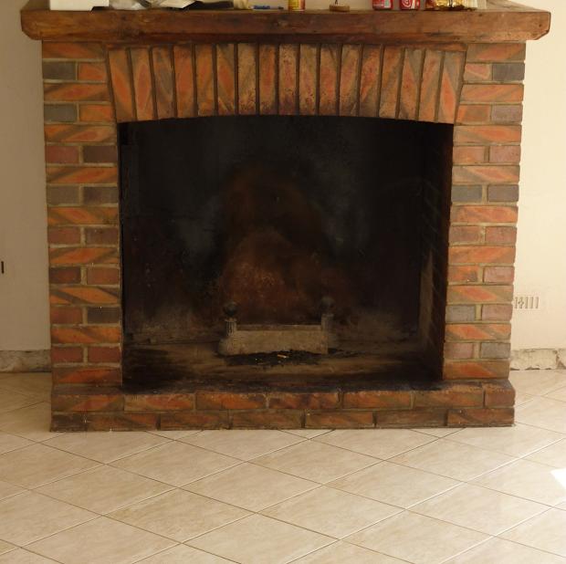 rénover cheminée en béton ciré par Les Bétons de Clara spécialiste du béton ciré