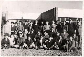 Photo: Criado, Enrique Muñiz, Tirapu, Alfayate, Tarno, Arango, San José, Justino, Fueyo, Graña, Dacio, César, Andueza,..... 2ºB 1963
