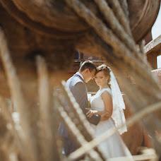 Wedding photographer Oleg Vostrikov (Thirteen). Photo of 28.09.2014