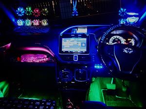 ヴォクシー ZRR80Wのカスタム事例画像 ふにゃ❤️さんの2020年10月24日20:59の投稿