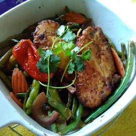 Firey Roasted Peppered Chicken Veggie Medley by Carlo McCoy - Food & Drink Plated Food ( chicken, peppers, onions, green bean, protein, meat, dishes, carrots, veggies, breast, food, energy )
