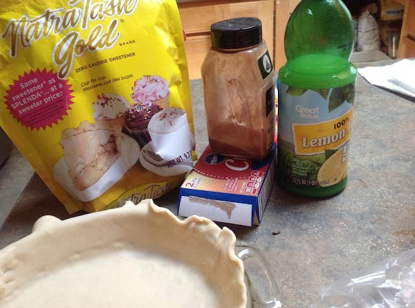 This pie makes 8 average servings. These are the main ingredients used in the...