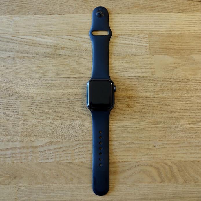 Apple Watch Series 4 正面