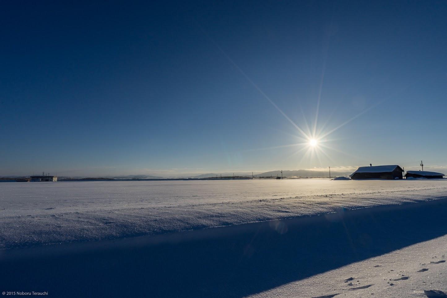 大地を覆う深い雪