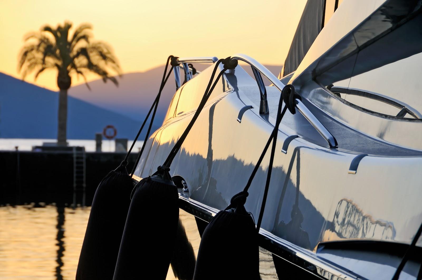 Slider 1 - photodune-3719139-sunset-palm-yacht-l.jpg