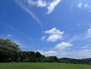 Photo: 空の色も滑走路の緑も最高なんですけどね。。