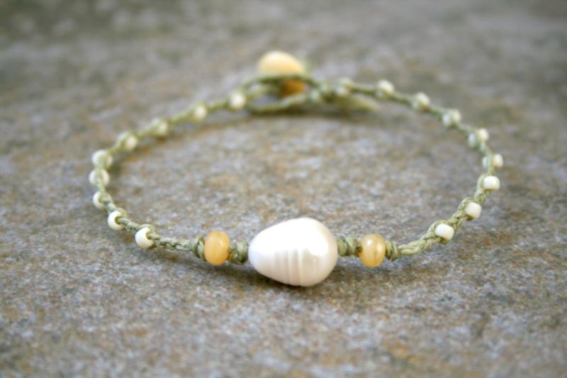 Photo: http://www.etsy.com/shop/AhteesDesigns Beach Jewerly! A pearl bracelet.