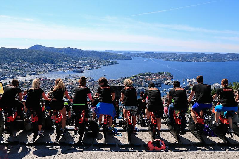 pedaliamo tutti insieme  di paola_cattini