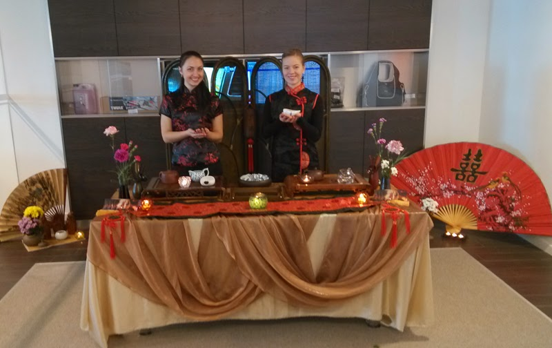 Photo: Выездная чайная церемония в автосалоне Infinity, Киев, 2013  Заказ чайной церемонии по тел. +38044 451 4283, киевский Чайный Клуб.  Подробности на сайте: http://www.cha.com.ua/uznai-bolshe/o-klube/karta-uslug/visiting-tea-ceremony