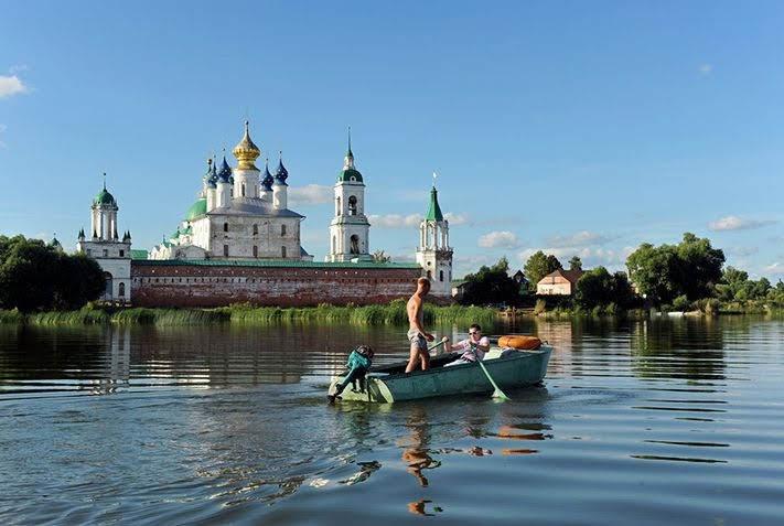 Thị trấn yên bình Rostov Veliky, phía đông bắc thủ đô Moscow – Nga