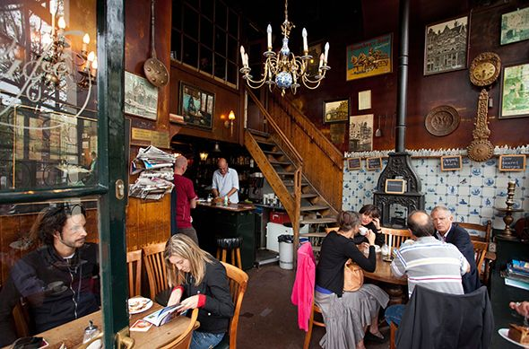 The rustic interior of Cafe Papeneiland. Photo: Frans Lemmens.
