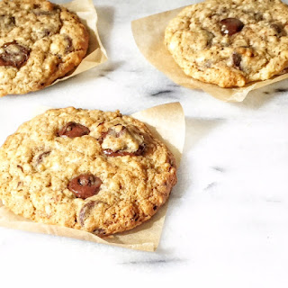 "TOLL HOUSE CHOCOLATE CHIP ""MAKEOVER"" COOKIES"