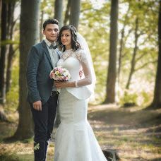 Wedding photographer Vladimir Lapushnyak (LVladimir). Photo of 30.03.2015