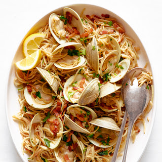 Clams with Pasta and Bacon