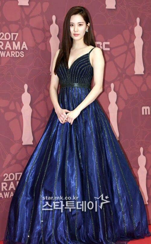 seohyun gown 1