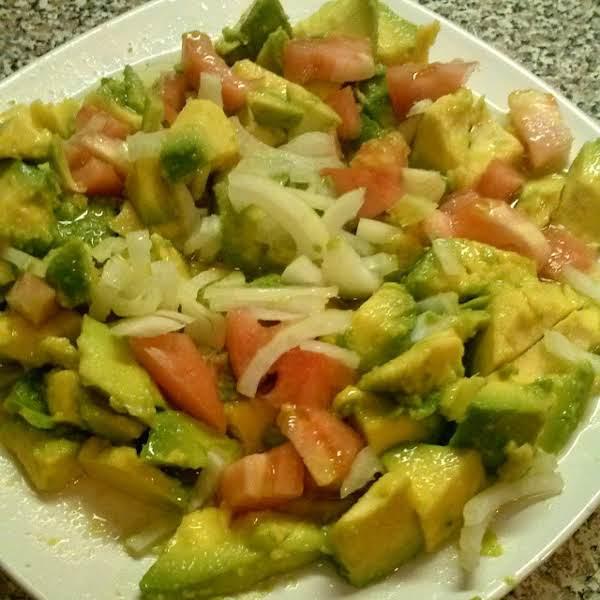 Chopped Tomato, Avocado, Onion Salad Recipe