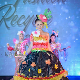 Fashion Recycle by Agus Mahmuda - People Fashion ( woman, beauty, talent, recycle, still life, beautifull, model, fashion )