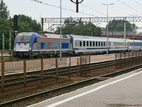 "Photo: EU44-005, EC ""Berlin-Warszawa-Express"" Berlin Hbf - Warszawa Wschodnia {Kutno; 2013-06-14}"