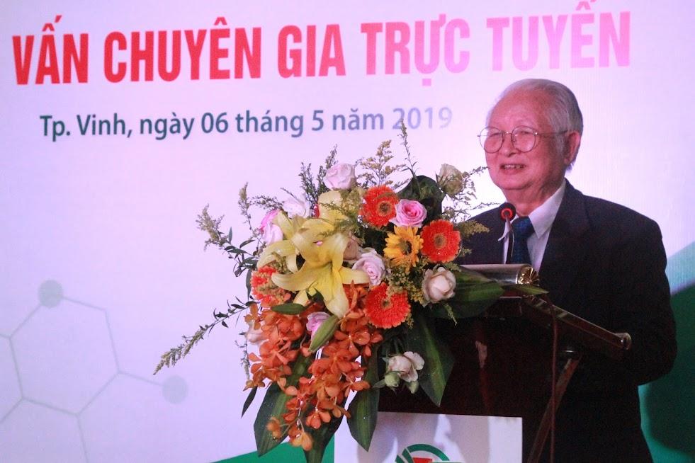 Giáo sư - Tiến sĩ - Bác sĩ Nguyễn Khánh Trạch, Chủ tịch Hội Nội khoa Việt Nam phát biểu tại buổi lễ
