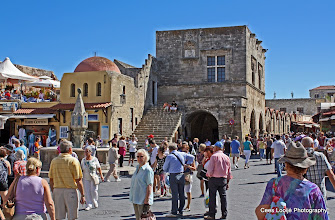Photo: Rhodos oude stad | Rhodes old town.  www.loki-travels.eu