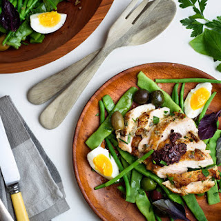 Grilled Chicken Salad With Green Beans, Capers and Olives