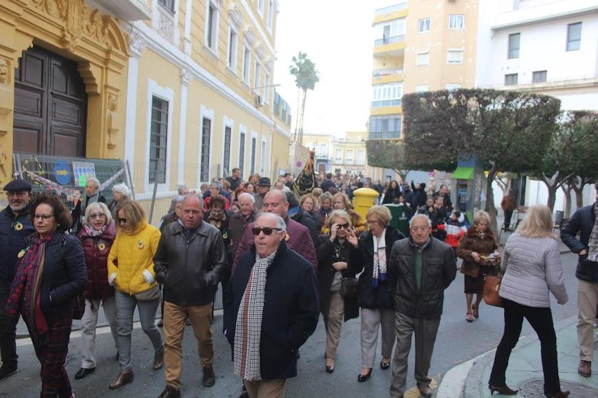 Participando en la procesión.