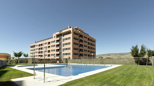 El Banco malo pone a la venta 300 viviendas en toda la costa de Almería