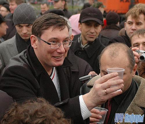 Луценко единогласно избран главой партии Порошенко - Цензор.НЕТ 8862