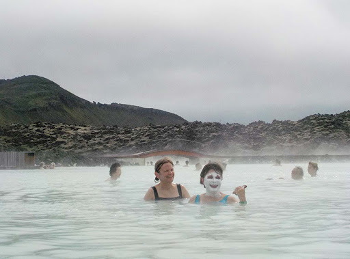 blue-lagoon-women-1.jpg - In the Blue Lagoon -- after all, it is a spa!