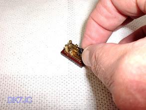 """Photo: Die kleinste funktionierende Hamemade-Taste der Welt 2002 hergestellt von Heinz Schlüter  DJ4TJ  ein Unikat  25x15 m/m """"DL""""  #097"""