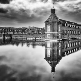 by Michael Böckling - Black & White Buildings & Architecture