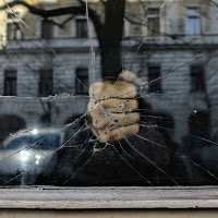 Breaking in Window di
