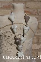 Photo: collana di cuori bianco e greggio