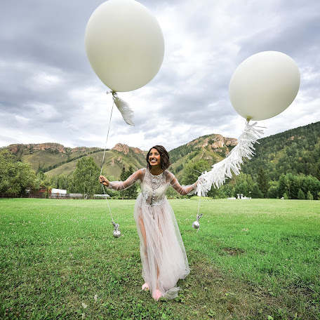 Wedding photographer Tikhomirov Evgeniy (Tihomirov). Photo of 05.12.2017