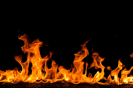 N3 still partly closed at Van Reenen's Pass after truck inferno