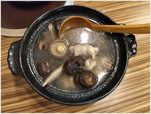 領鮮迷你土雞鍋~15種湯頭任你選,百元價格單人獨享,料多味美好食在!!