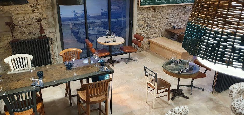 Vente locaux professionnels 6 pièces 324 m² à Saint-Julien-des-Landes (85150), 520 000 €
