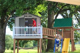 Photo: Paul & Kids in Treehouse