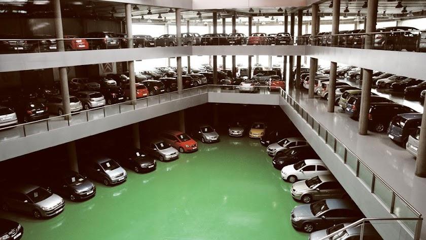 Ni nuevos ni usados, la venta de coches está bajo mínimos