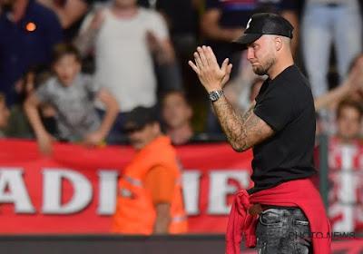 """? Debaty over de veelbesproken groet aan de Antwerp-fans: """"Ik speel 200 procent voor het logo van Waasland-Beveren"""""""