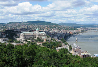Photo: Budan linna ja Tonavaa