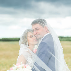 Wedding photographer Irina Amelyanchik (Amelyanchyk). Photo of 12.10.2017