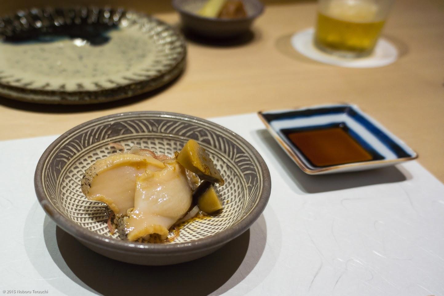 つぶ貝と肝の生姜醤油煮、ミョウガ千切り添え