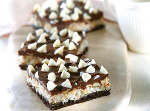 Chocolate Almond Macaroon Bars Recipe