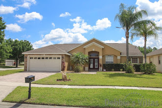 Private Orlando villa to rent, golfing community, close to Disney, pool and spa, woodland view