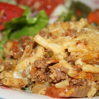 Ground Beef Mac and Cheese Casserole.