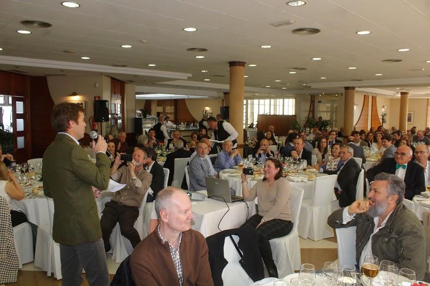 Más de 150 personas asisten al homenaje del doctor Luis Castillo Mesa.