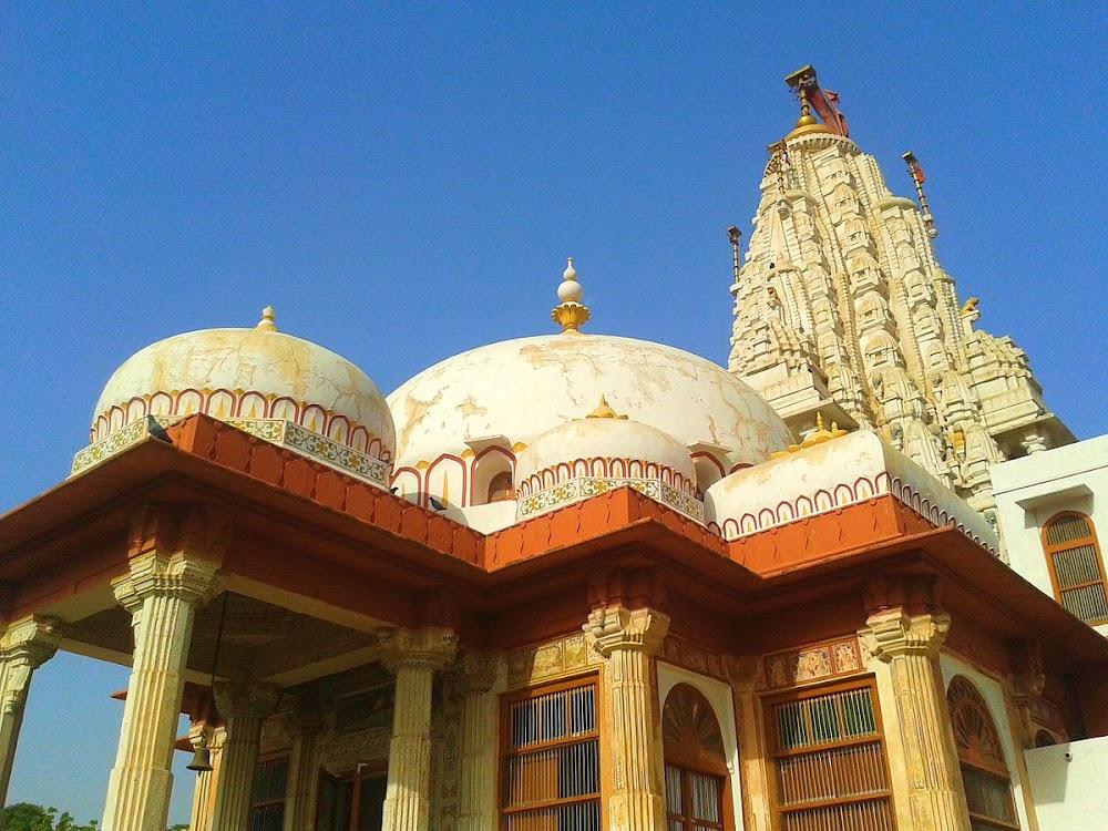travelogged-17-things-to-do-bikaner-bhandasar-jain-temple_image